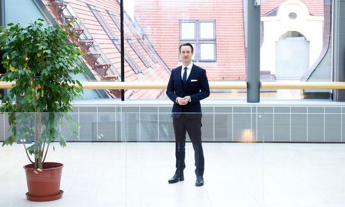 Finanzminister Blümel will nächstes Jahr mit dem Schuldenabbau beginnen.