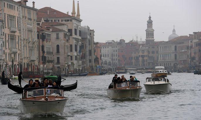 Venedigs Inselstadt droht zur reinen Touristen-Kulisse zu verkommen.