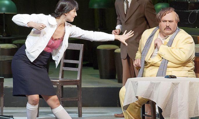 Gelungener Einstand als neues Ensemblemitglied: Slávka Zámečníková als Norina, hier mit Nicola Alaimo als Don Pasquale.