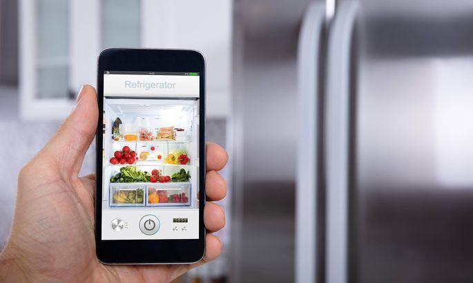 Auch ein smarter Kühlschrank könne sich eine Schadsoftware einfangen (Symbolbild).