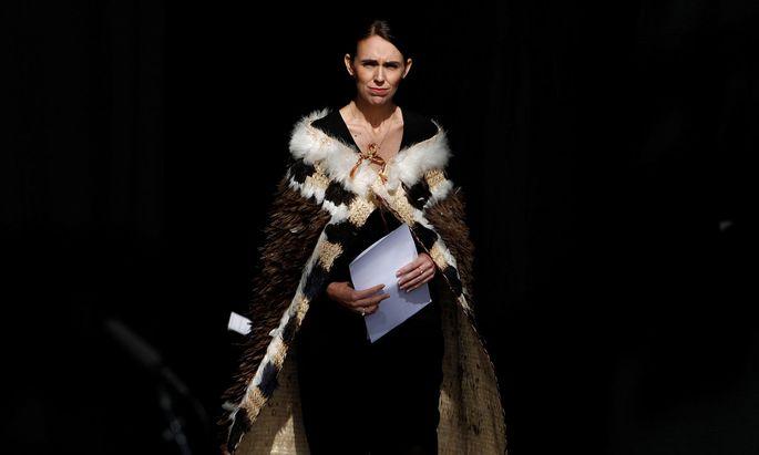Die neuseeländische Premierministerin Jacinda Ardern kurz vor ihrer Ansprache