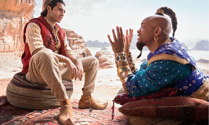 Will Smith spielt den Flaschengeist, Mena Massoud Aladdin.