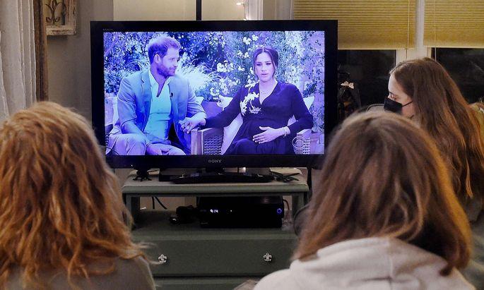 Meghan und Harry gaben ihr erstes Interview, seitdem das Paar seine royalen Pflichten aufgegeben hatte