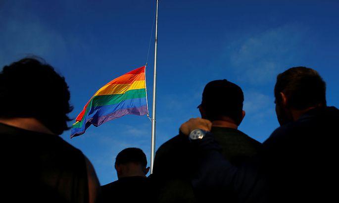 Weltweit werden die 50 Opfer betrauert, Regenbogenfahnen auf Halbmast gesetzt.