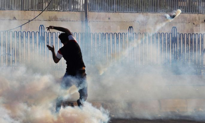 Straßenschlachten in Bagdad. Im Irak starben Dutzende Menschen bei Protestkundgebungen.