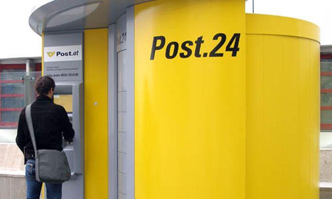 PostBelegschaft Kunden laufen Scharen