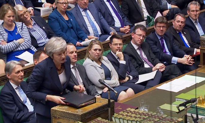 Premierministerin Theresa May verteidigte den Austrittsdeal am Mittwoch erstmals im Unterhaus. Die Abstimmung darüber dürfte Mitte Dezember stattfinden.
