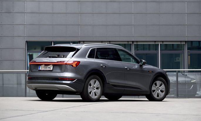 Inszenierung der Elektromobilität mit beachtlicher Ausdehnung nach Art des Hauses Audi.
