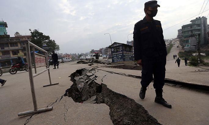 Nepal liegt genau in der Knautschzone zwischen der indischen und der eurasischen Erdplatte.