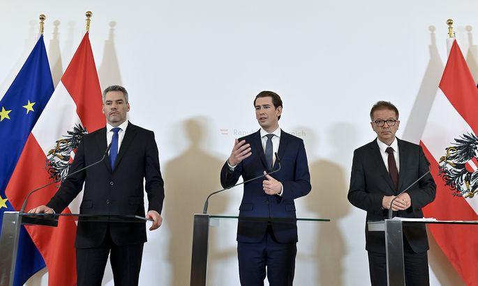 Innenminister Nehammer, Kanzler Kurz und Gesundheitsminister Anschober (v. l.).