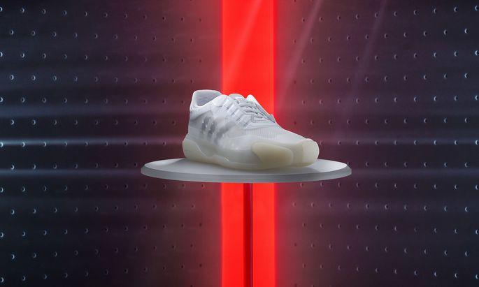Der neue Segelschuh von Prada und Adidas.