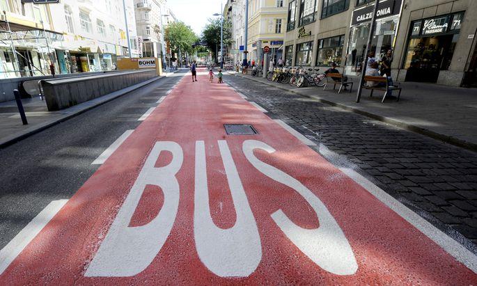 Busfahrer, Mariahilfer Straße, 13a