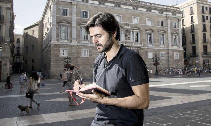 """Juan Moreno, geboren 1972 in Spanien, ist seit 2007 freier Reporter für den """"Spiegel"""". Sein Buch """"Tausend Zeilen Lüge"""" erschien soeben bei Rowohlt."""