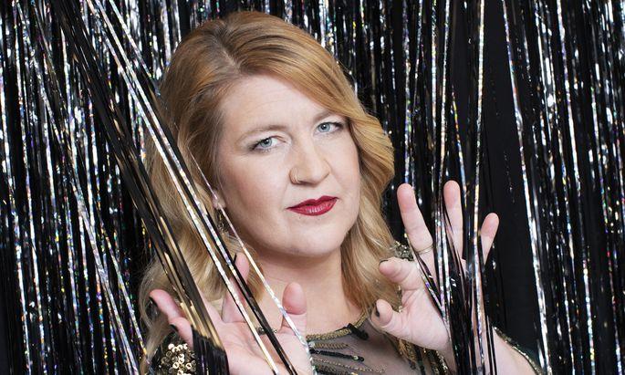 Denice Bourbon verspricht Gold und Glitzer für die FC Gloria-Gala.