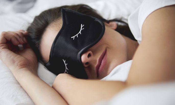 Gesund sollen sechs bis acht Stunden Schlaf sein
