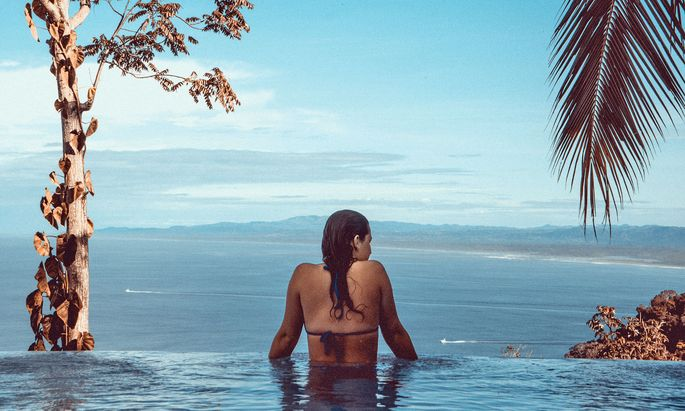 Urlaubsbudget. Für Luxusreisen geben auch viele Jüngere gern Geld aus.