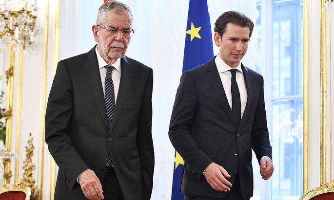 Gemeinsam informierten Alexander Van der Bellen und Sebastian Kurz in der Hofburg die Medien über die BND-Affäre.