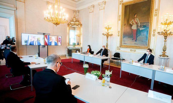 Vier in Wien, zwei per Video: sechs EU-Regierungschefs besprechen das Thema Impfstoff-Verteilung.