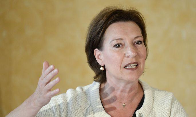 Heinisch-Hosek für gesetzliche Abgeordneten-Quote