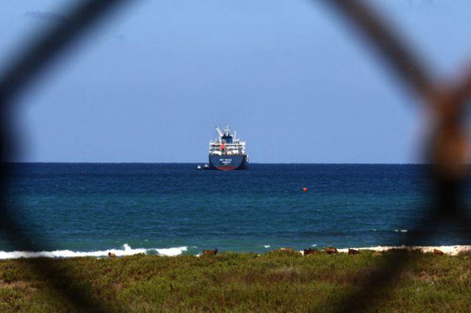 Ein Öltanker vor Libanon. Der Rohstoff ist knapp geworden.