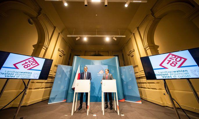 """Südtirols Landeshauptmann, Arno Kompatscher (links), am Tag nach der Landtagswahl. Sein Tiroler Amtskollege, Günther Platter, reiste am Montag nach Bozen und gratulierte zum """"klaren Auftrag"""" an die SVP."""