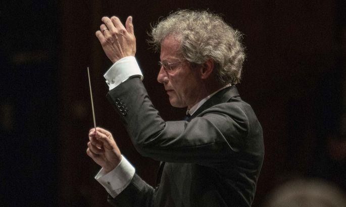 Franz Welser-Möst harmonisiert Wagner, Strauss und Schostakowitsch.