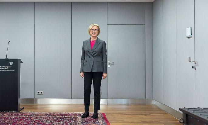 Rh Praesidentin Margit Kraker Kleine Zeitung Salzburger diePresse by Akos Burg