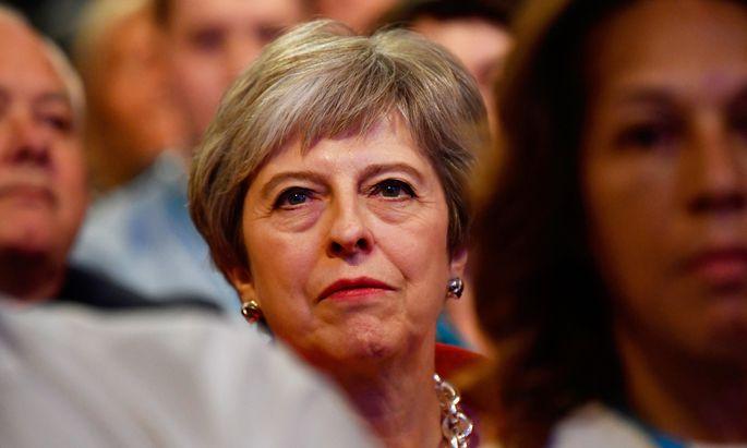 """""""Meine Botschaft an meine Partei ist: Lasst uns zusammenkommen und das beste Abkommen für Großbritannien erzielen"""", sagte May am Sonntag dem Sender BBC in Birmingham."""