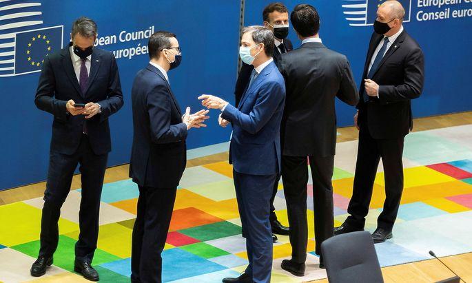 Staats- und Regierungschefs im Gespräche beim EU-Gipfel in Brüssel.