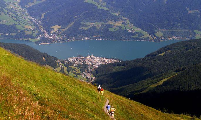 Oesterreich, Land Salzburg, Zell am See von der Schmittenhoehe aus gesehen