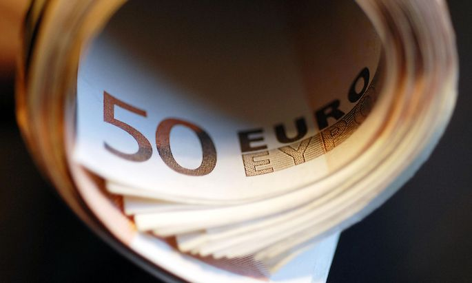 50 euro banknotes rolled, Germany
