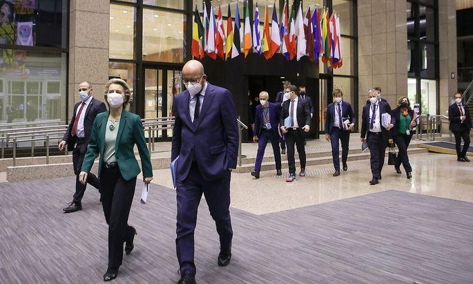 EU-Kommissionspräsidentin Ursula von der Leyen und EU-Ratspräsident Charles Michel beim letzten EU-Gipfel, bei dem die EU-Regierungschefs per Videokonferenz über die Verteilung der Impfstoffe diskutieren mussten.
