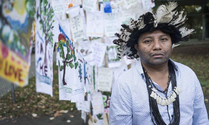 """""""Wir versuchen uns vor Covid-19 zu schützen, so gut es geht"""", sagt Indigenen-Chef Adriano Karipuna."""