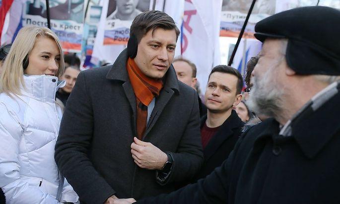 Gudkow bei einem Protestmarsch der Sozialdemokraten.