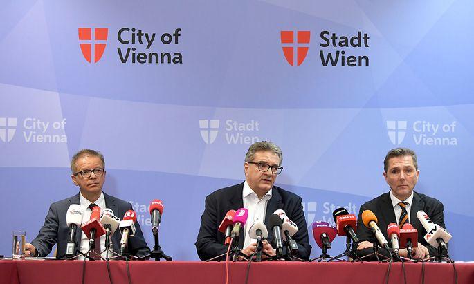 Gesundheitsminister Rudolf Anschober, Stadtrat Peter Hacker und der medizinische Direktor des Wiener KAV, Michael Binder.