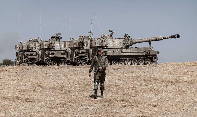 Aufmarsch gegen die Hamas. Israels Armee bringt an der Grenze zum Gazastreifen Artillerie in Stellung.
