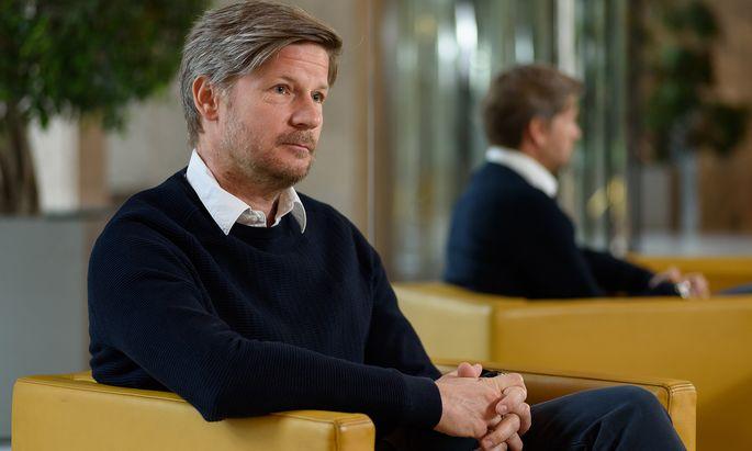 Bei Hightech-Titeln wird Günther Schmitt etwa in Zürich fündig – leider nicht in Wien.