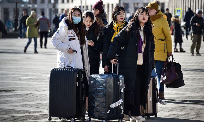 Wer asiatisches Aussehen hat, wird in Zeiten der Coronavirus-Krise in Russland genau beobachtet - hier ein Bild vom Leningrader Bahnof in Moskau.