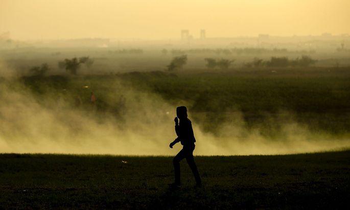 Ein Demonstrant bei Gaza Stadt