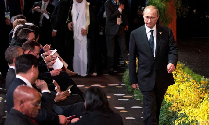 Russia´s President Vladimir Putin arrives at the ´Welcome to Country´ ceremony at the G20 summit in Brisbane