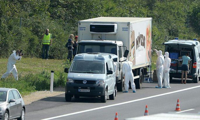 Archivbild: Tatortarbeit an der Fundstelle des Lkw im Burgenland
