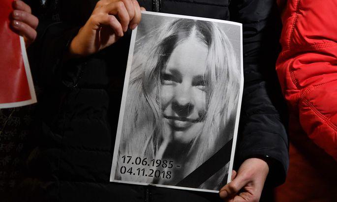 Mahnwache und Protest vor dem Innenministerium in Kiew: Die Aktivistin Kateryna Gandsjuk starb nach einem Säureattentat.