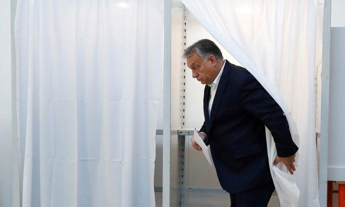 Großstadtwähler sind weniger empfänglich für Ministerpräsident Orbáns patriotische Sprüche als die Landbevölkerung.