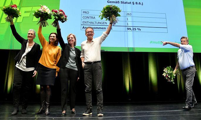 Auch das Regierungsteam bekam große Zustimmung beim Bundeskongress der Grünen.