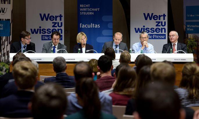 Ein Rechtspanorama an der WU über die Folgen des Dieselskandals, zu einer Zeit, als solche Veranstaltungen noch problemlos möglich waren.