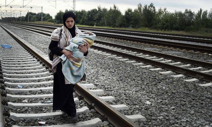 Sept 20 2015 croatia Europe Croatia Tovarnik september 20 2015 waves of migrants are wait