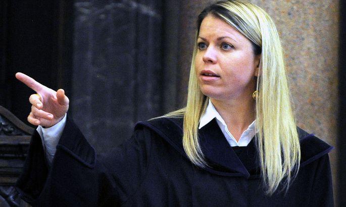 Die Wiener Richterin Stephanie Öner leitet den Prozess.