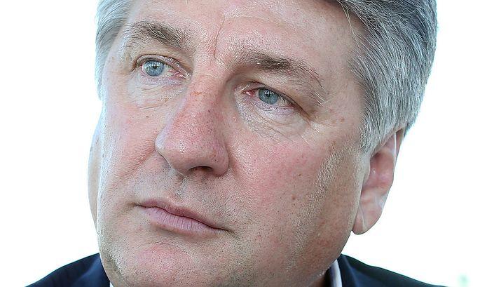 TELEKOM AUSTRIA: AMERICA MOVIL KAUFT 21 PROZENT VON RONNY PECIK