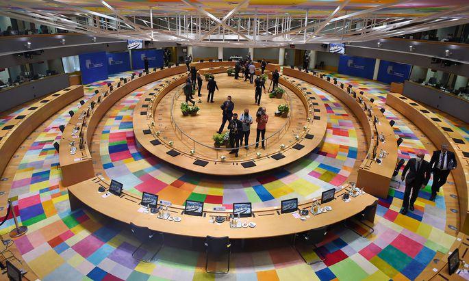 Außergewöhnlicher EU-Gipfel in Brüssel: Erstmals seit der Pandemie traf man sich von Angesicht zu Angesicht.