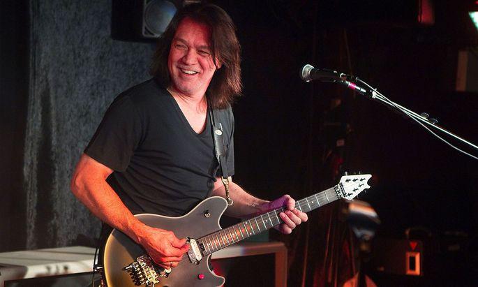 Eddie van Halen bei einem Konzert im Jahr 2012.